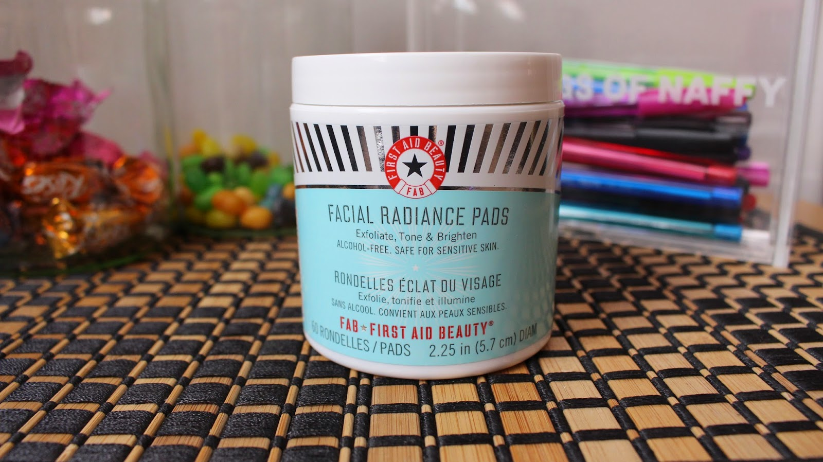 First-Aid-Beauty-Facial-Radiance-Pads-1